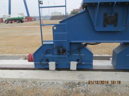 Hệ di chuyển cổng trục 90 tấn