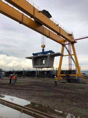 Vận hành cổng trục 100 tấn