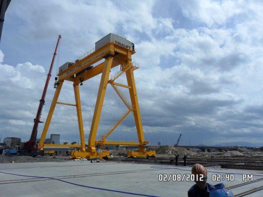 cổng trục 250 tấn