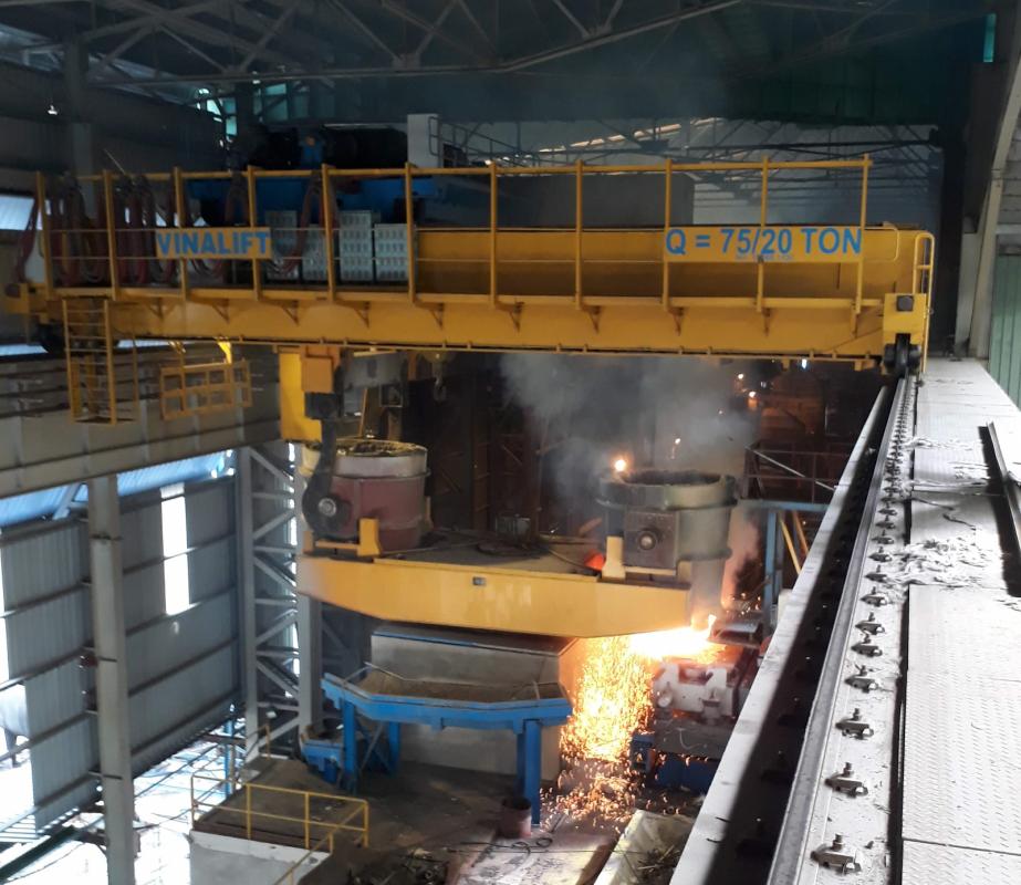 Cầu trục nhà máy thép
