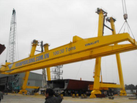 Lắp đặt cổng trục 100 tấn
