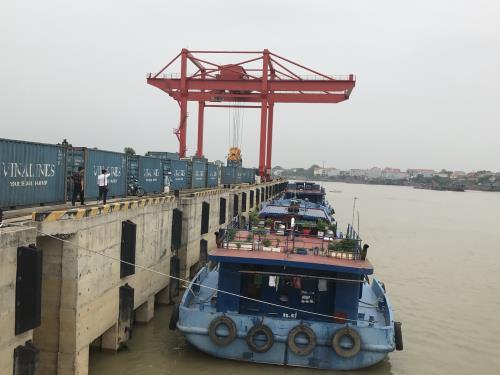 Cẩu giàn cảng thủy nội địa